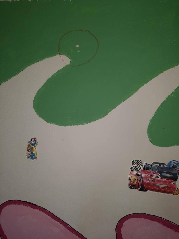 Une balle perdue s'est plantée dans un mur de la chambre d'enfants de la famille d'Hamid.