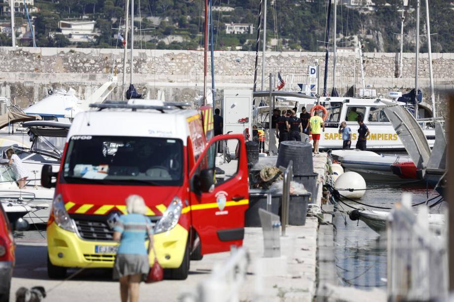 Ce samedi, peu avant 16h, un homme s'est coincé la jambe dans une hélice de bateau dans la rade de Villefranche-sur-Mer.