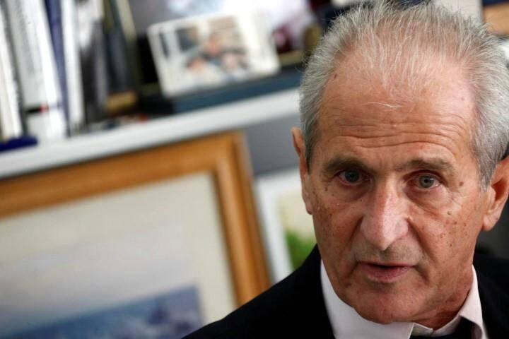 Face à la montée de la violence sur le territoire toulonnais, le maire de Toulon Hubert Falco réclame des renforts de police.
