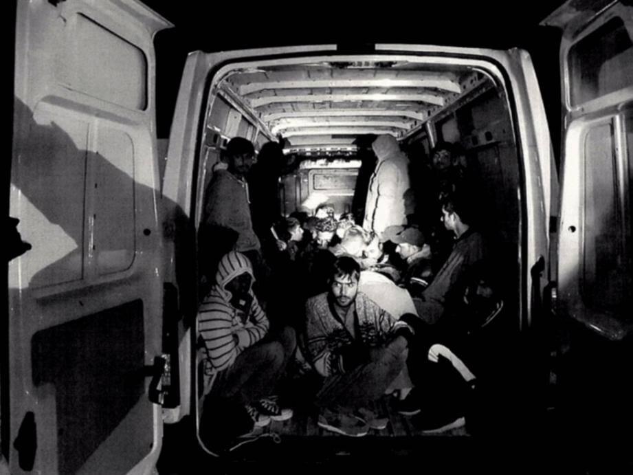 Des migrants découverts dans un fourgon à La Turbie, en novembre 2019.