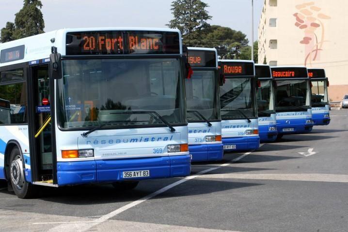 Réseau mistral observera une minute d'arrêt et de silence en hommage à Philippe Monguillot, conducteur de bus lâchement agressé et aujourd'hui en état de mort cérébrale.