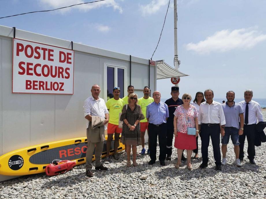 Les autorités municipales ont rendu visite aux sapeurs-pompiers nageurs-sauveteurs.