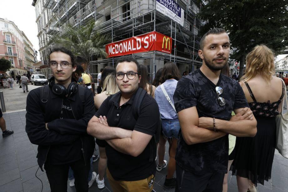 Big micmac chez McDo. Des salariés du fast-food du haut de l'avenue Jean-Médecin à Nice ont débrayé ce mercredi matin. La première grève depuis que le restaurant a été franchisé.
