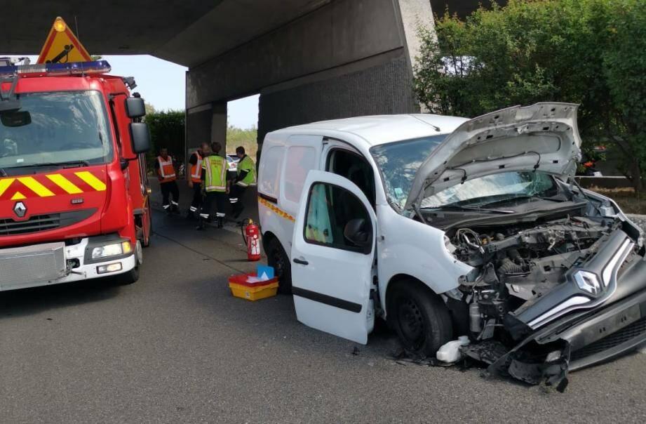 Deux véhicules se sont percutés ce mercredi après-midi.