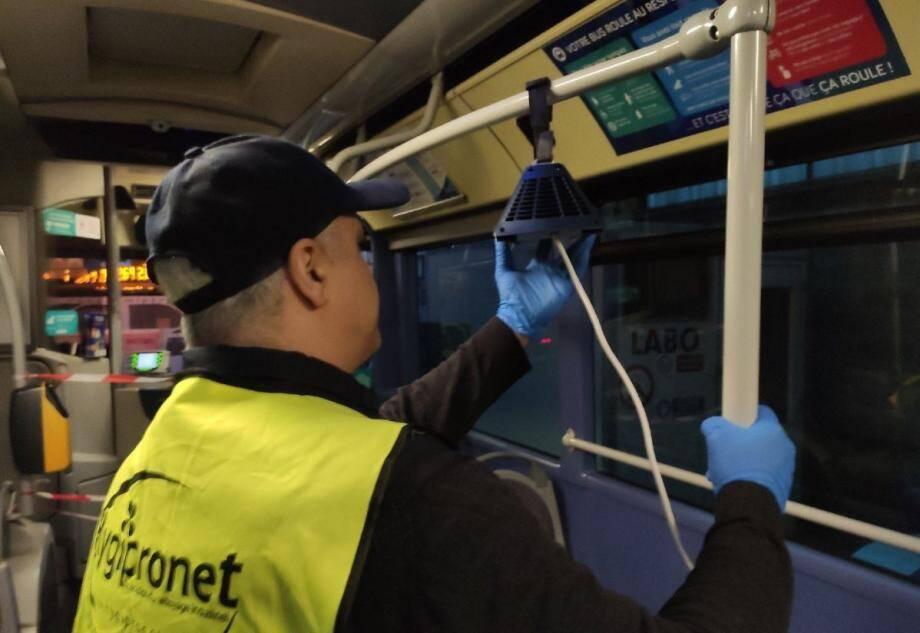 Réseau mistral rappelle que ses bus sont désinfectés quotidiennement avec du plasma froid d'oxygène.