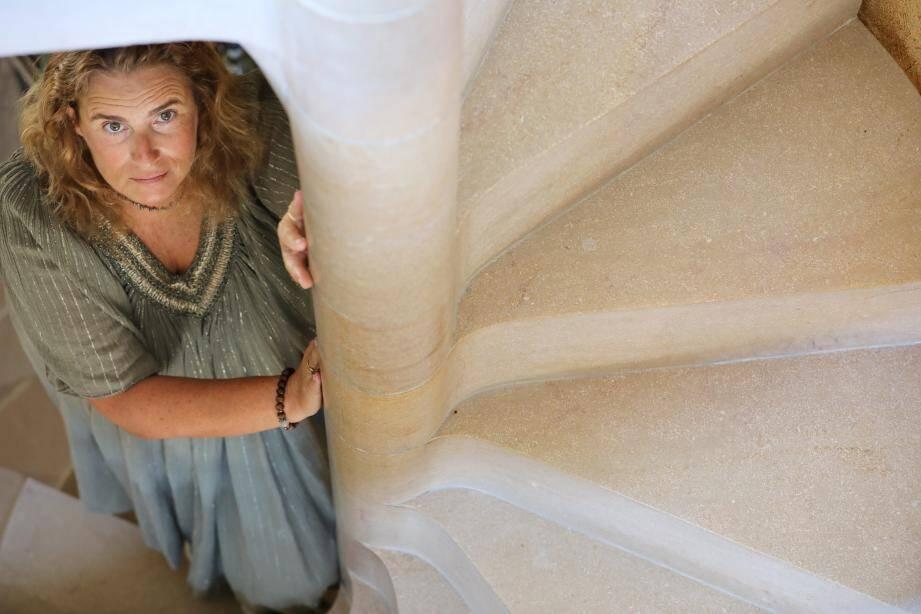 La réalisatrice de LOL se mue en conférencière, ce dimanche soir à Saint-Tropez, autour de son dernier roman au féminin La Vie en Ose.