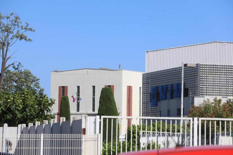 Le camion devait rallier l'un des sites du fleuron industriel CNIM à La Seyne.