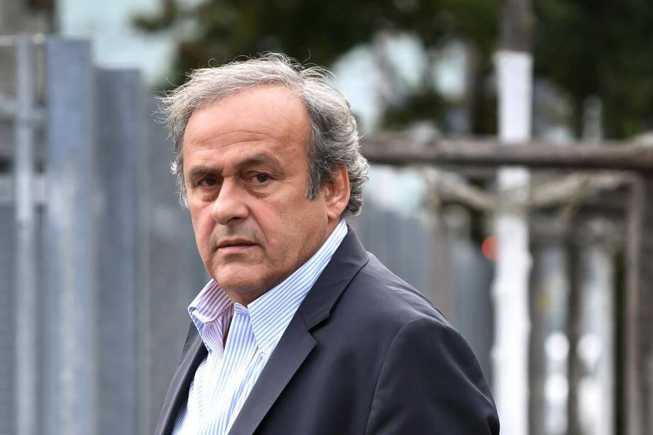 L'arrivée de Michel Platini au siège du Ministère public de la Confédération (MPC) ce lundi.