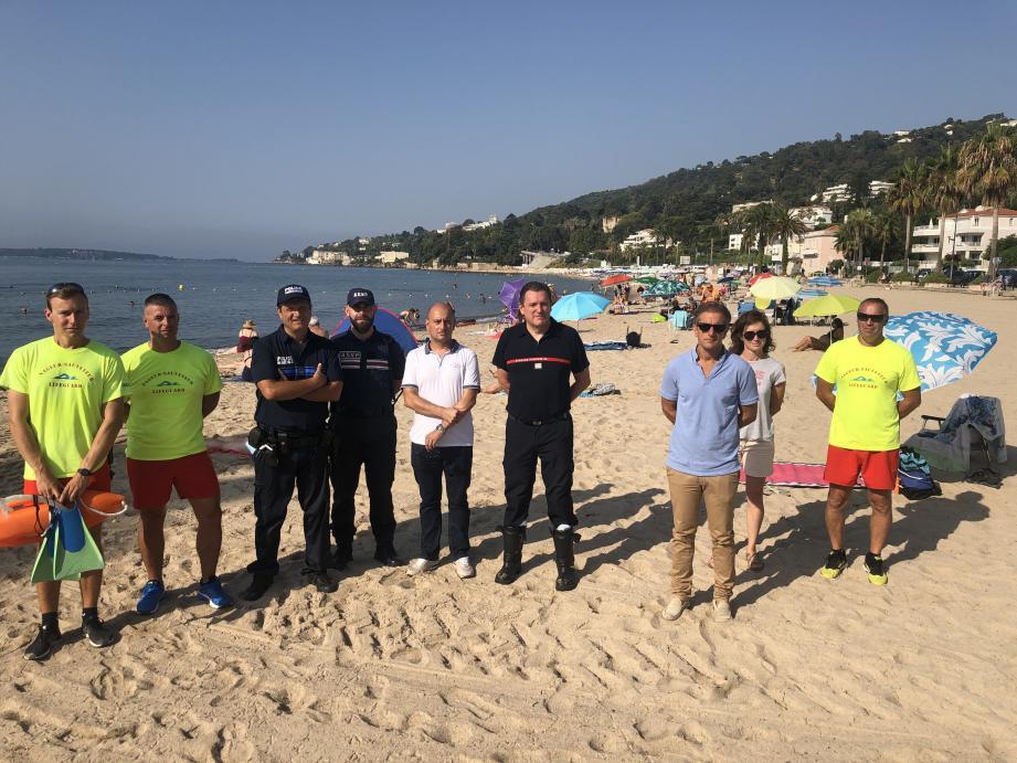 Inspection du maire, Kevin Luciano, et de son adjoint à la sécurité, Dominique Bruzzisi, aux postes de secours des plages du Soleil et du Midi.