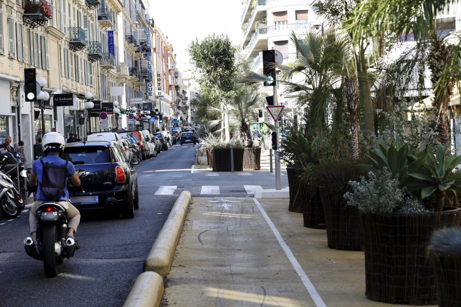 Pour l'axe Grimaldi-Hôtel des Postes, les travaux de végétalisation en pleine terre débuteront en septembre 2021 pour une livraison envisagée fin 2022.