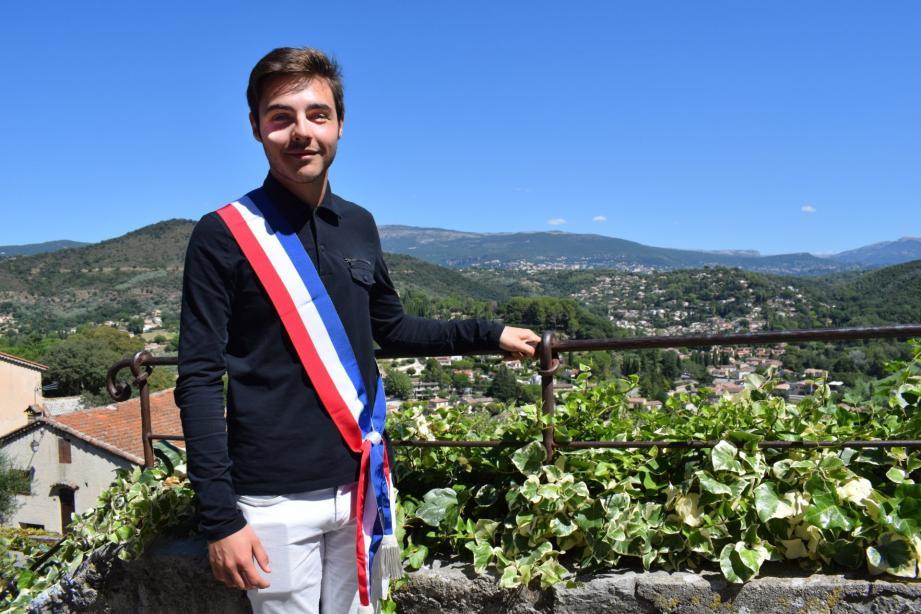 Florent Rossi, 18 ans, a reçu les délégations de la communication, la jeunesse et la coordination des élus, faisant de lui le plus jeune conseiller municipal avec délégations de France.