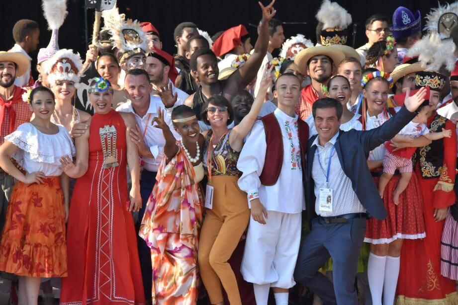 La Farandole permettait à des groupes du monde entier, de communier à Nice sur fond de folklore dansant et chantant. Cette année, le festival est annulé. Il reviendra l'été prochain, en gardant ses distances.