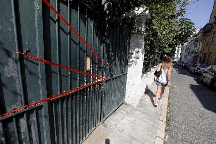 Un jeune homme a été poignardé à mort dans la rue du Rocher, près du boulevard Gambetta.