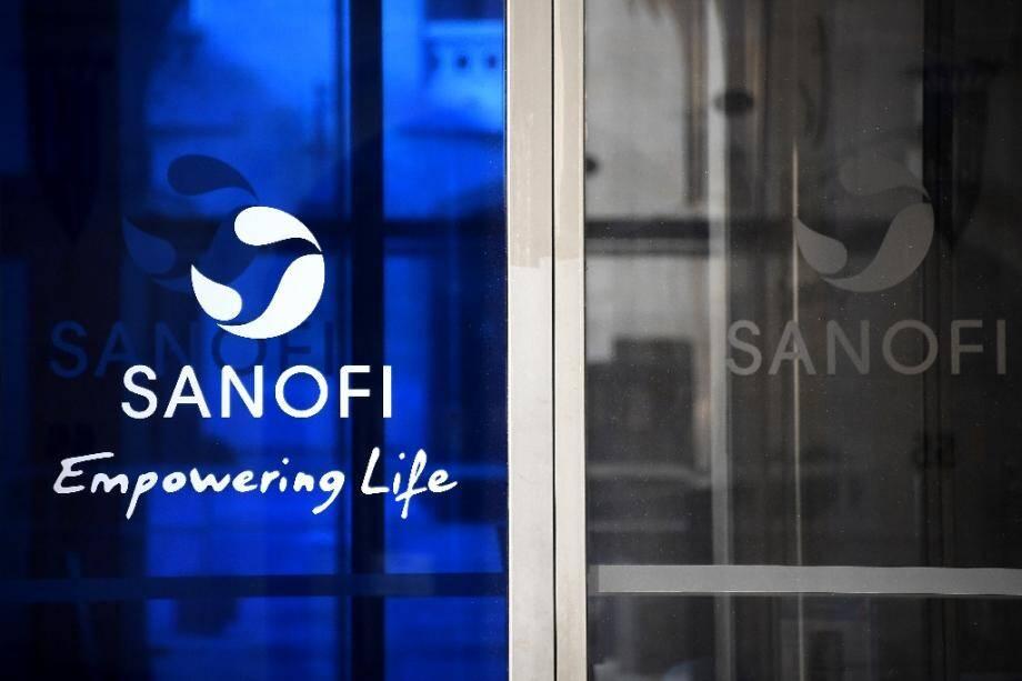 Le logo de Sanofi au siège du groupe pharmaceutique en mars 2020 à Paris