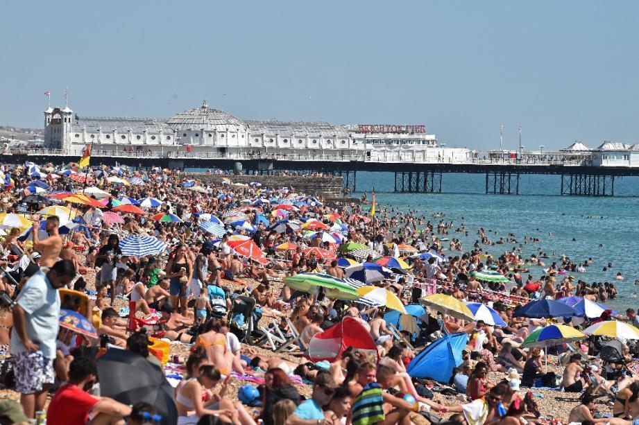 La plage de Brighton, en Angleterre, le 7 août 2020