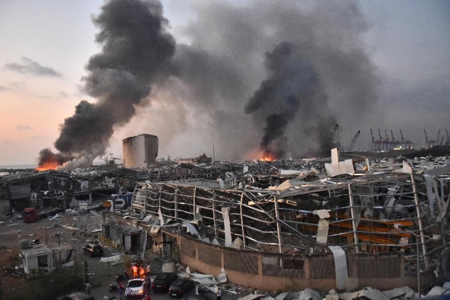 Le port de Beyrouth après deux énormes explosions le 4 août 2020