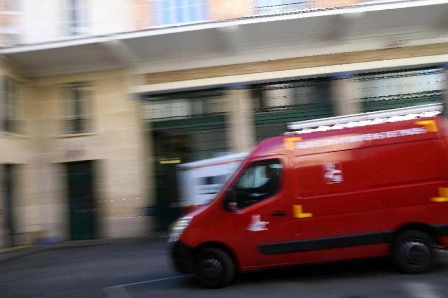 Un cycliste est décédé mercredi soir à Paris après avoir été percuté par un automobiliste qui fuyait la police