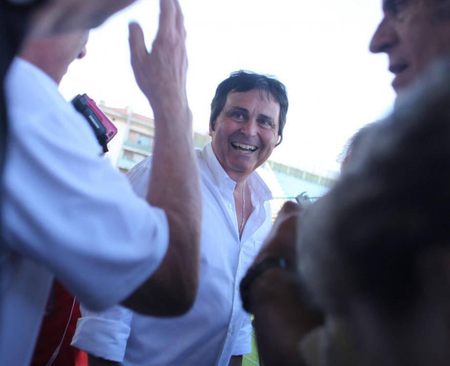 Le président du Sporting Toulon, Claude Joye.   Toulon - Claude Joye, nouveau president du Sporting Club Toulonnais rencontre les supporters du club.