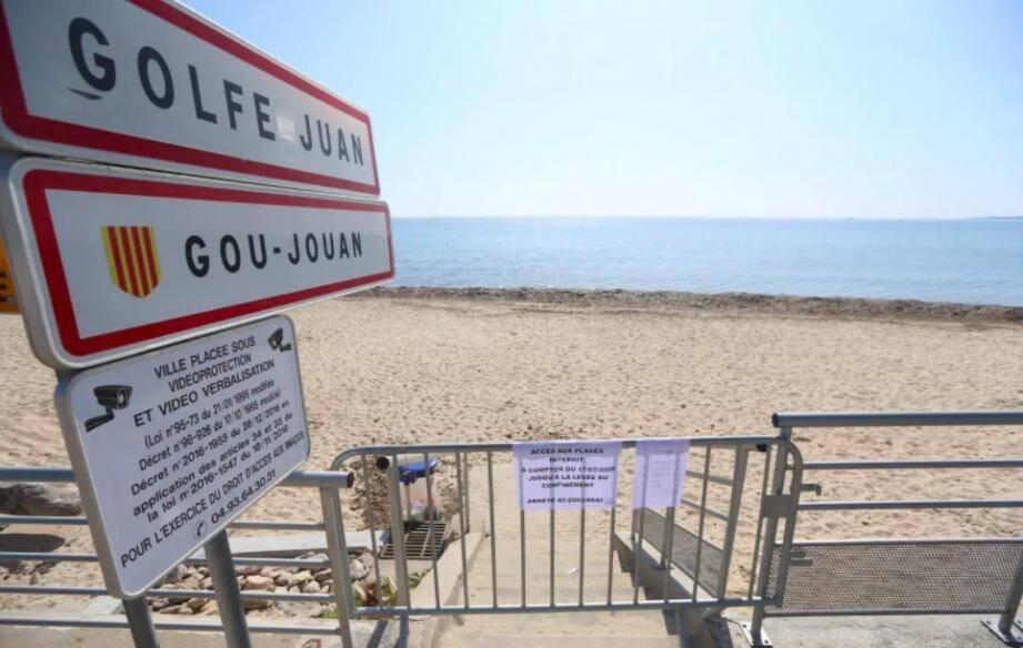 Une plage de Golfe-Juan (ici, pendant le confinement).