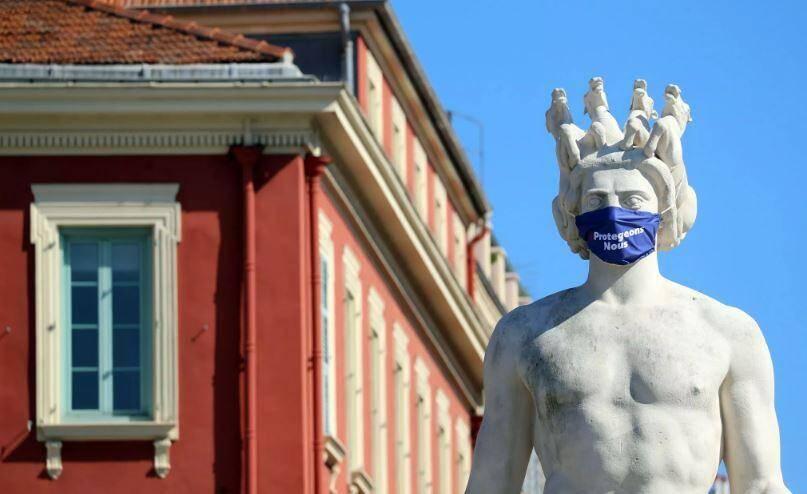 D'autres collectivités -  comme la métropole Lille, les villes de Biarritz  Bayonne, Saint-Malo ou Orléans - ont rendu le port du masque obligatoire en extérieur.