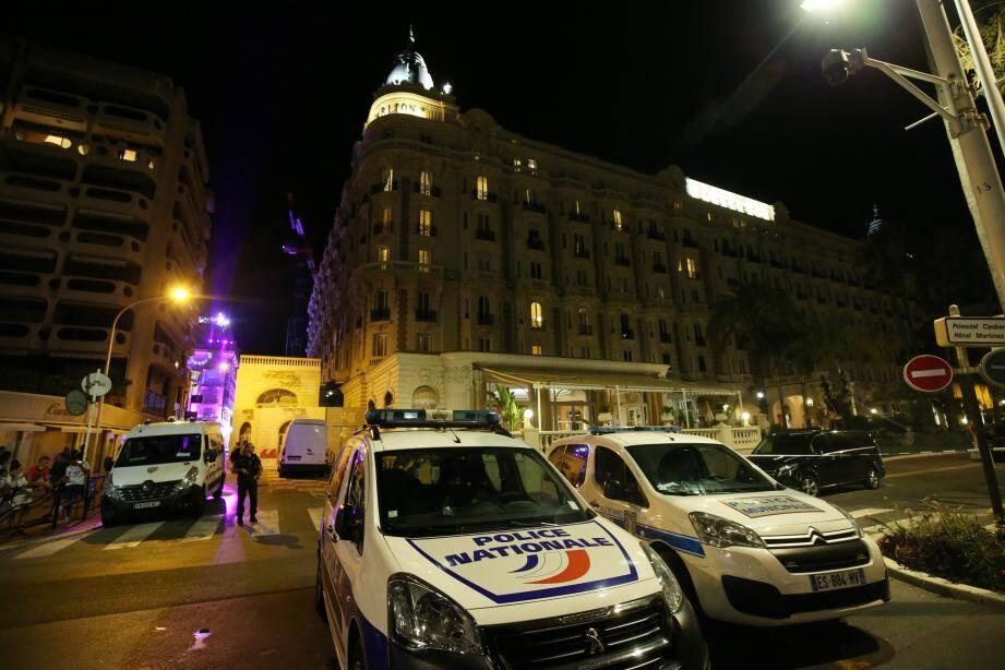 Les forces de l'ordre mobilisées à la suite d'un impressionnant mouvement de panique à Cannes.