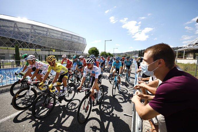 Le départ de la 3e étape du Tour de France à l'Allianz Riviera à Nice ce lundi.