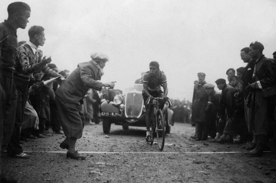 René Vietto, considéré par ses pairs comme le plus grand coureur de son époque, ne remporta jamais le Tour malgré des qualités incroyables.