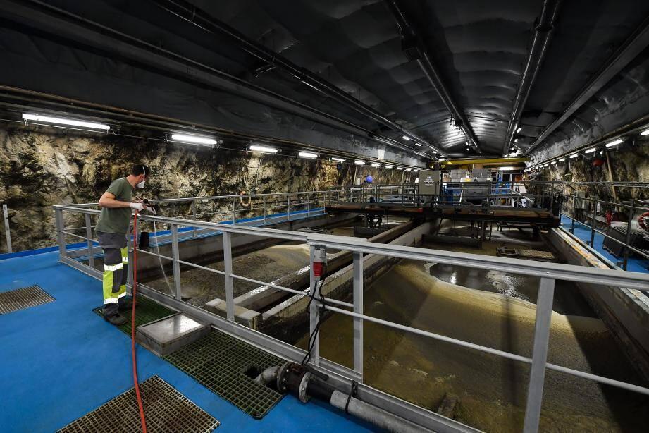 Les eaux usées de la Principauté, avant traitement, sont collectées dans des bassins situés sous le Rocher.