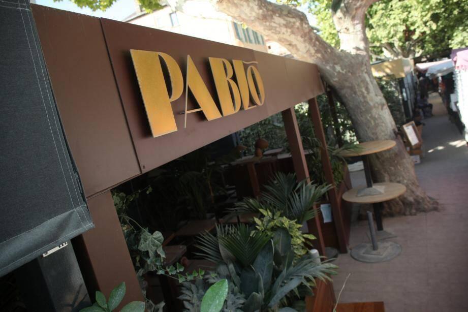 """Situé sur la place des Lices, le Pablo est fermé jusqu'à nouvel ordre """"par mesure préventive""""."""