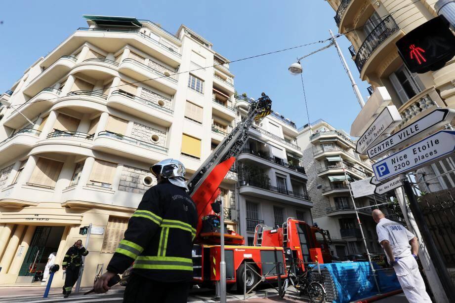 37 sapeurs-pompiers engagés rue Cronstadt à Nice.