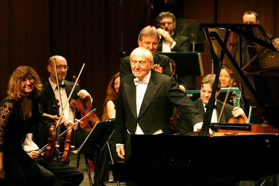 Aldo Ciccolini.    CONCERT DE PIANO AU THEATRE CROISETTE? CICCOLINI CANNES A BUSSER