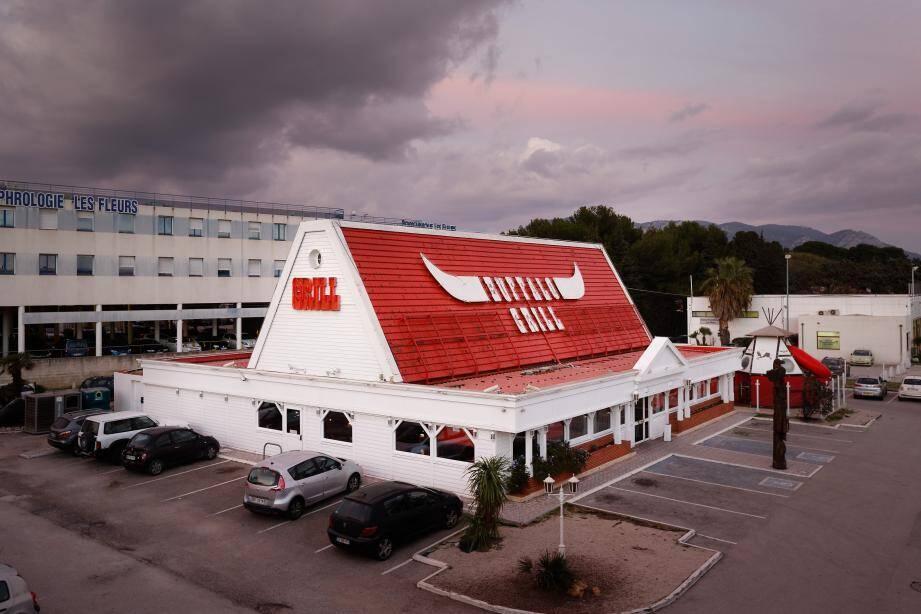 La chaîne française de restauration Buffalo Grill a déposé un dossier de reprise de son concurrent Courtepaille. Ici, un restaurant de la chaîne à Ollioules en 2016.