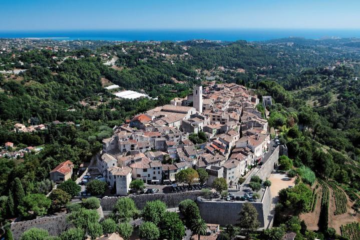 Vue aérienne du village de Saint-Paul de Vence