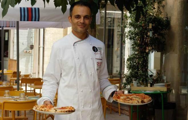 Marco Casolla est le spécialiste de la pizza napolitaine.