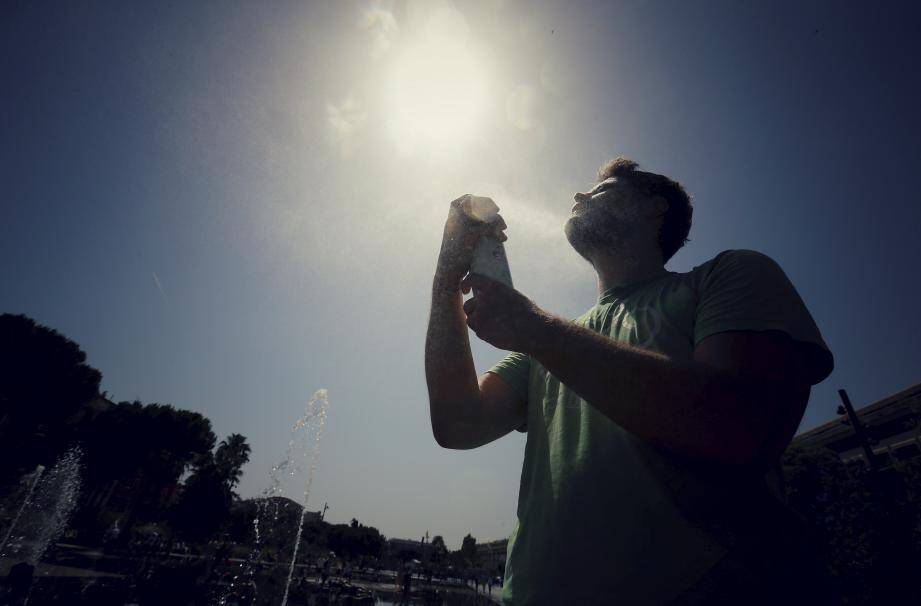 Météo France annonce 37°C dans le Var cette semaine, n'oubliez pas de vous hydrater!
