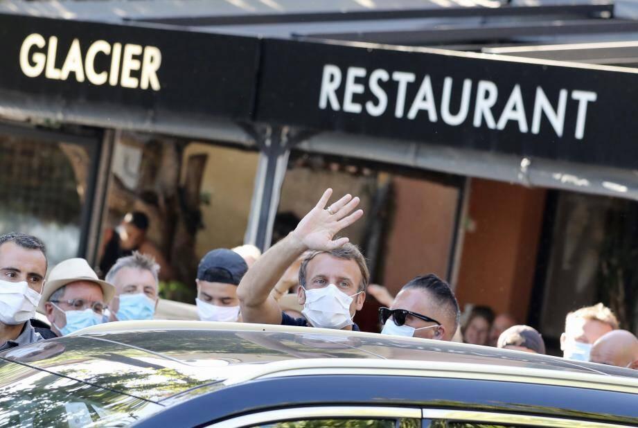 Emmanuel Macron, hier à Bormes, aujourd'hui à Toulon.