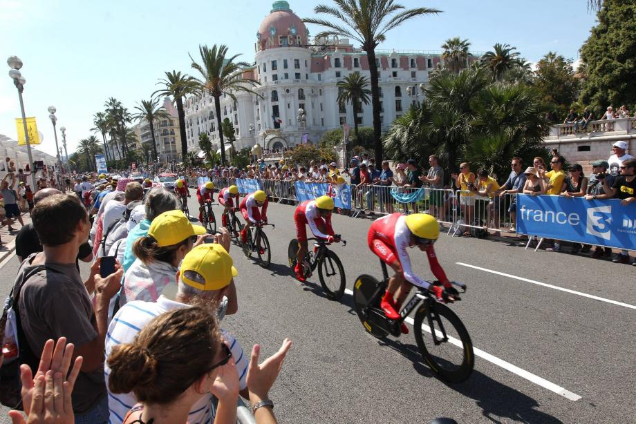 ©PHOTOPQR/NICE MATIN ; passage tour de france nice