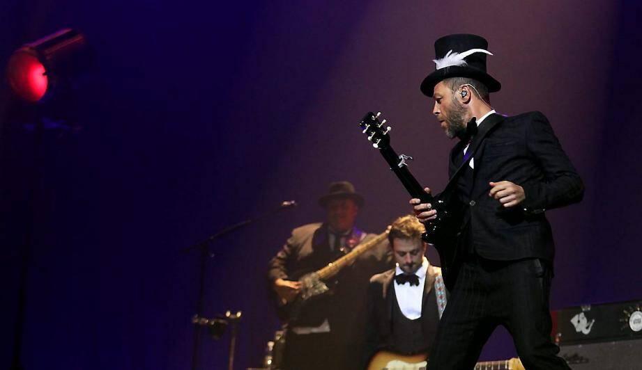 Christophe Maé en concert au palais Nikaïa à Nice en 2014.