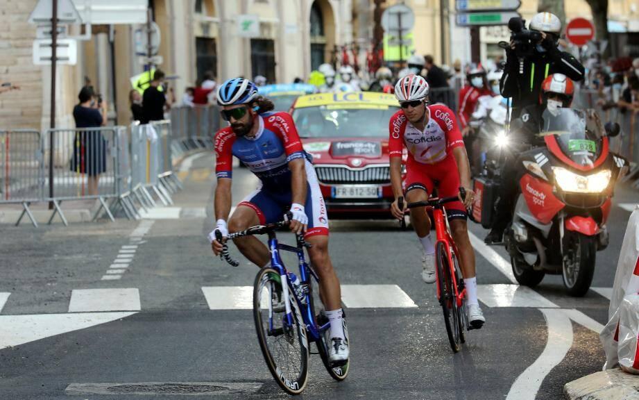 Sébastien Perez, ici à Grasse, derrière Jérôme Cousin, sur la 3e étape du Tour de France.
