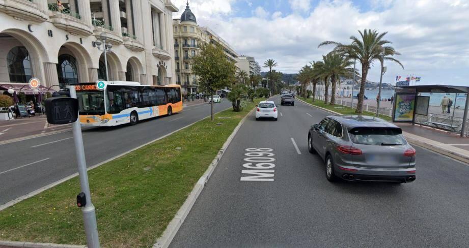 L'accident a eu lieu au 13 promenade des Anglais, au niveau du Palais de la Méditerranée.