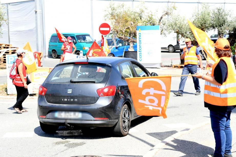 Plusieurs salariés des magasins Castorama de région Paca se sont retrouvés à Fréjus, samedi matin, pour protester contre leur direction. Leur combat, disent-ils, n'est pas fini.