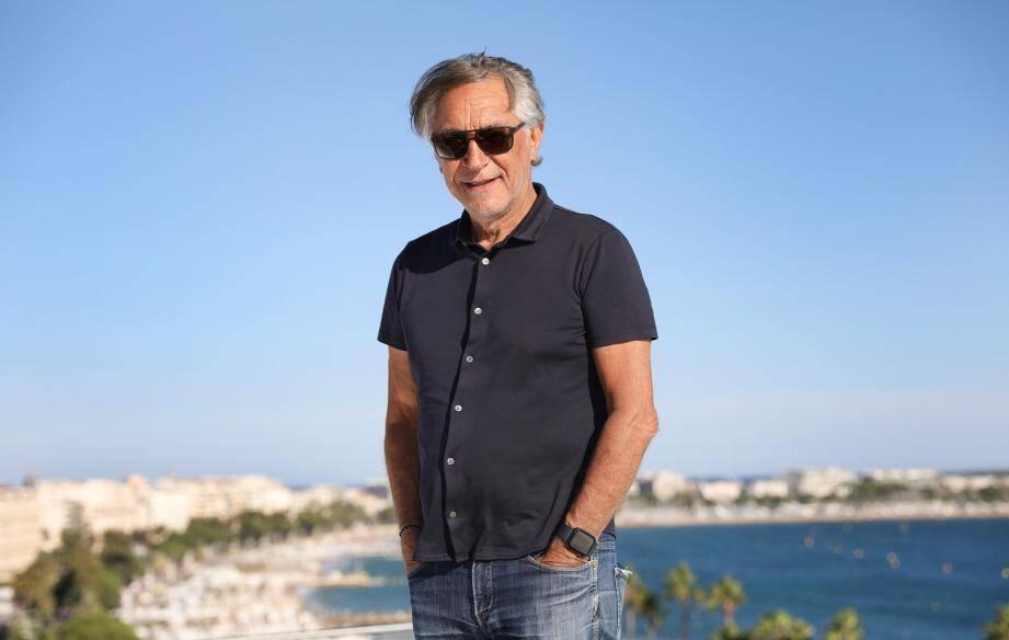"""Richard Berry à l'hôtel Majestic de Cannes: """" J'adore le Festival du film car c'est une plaque tournante du cinéma mondial, qui brasse pas mal de grands films, et je suis assez fier que la France en soit le propriétaire. Après, monter les marches du palais, c'est très grisant, mais ce n'est pas ce que je préfère..."""""""