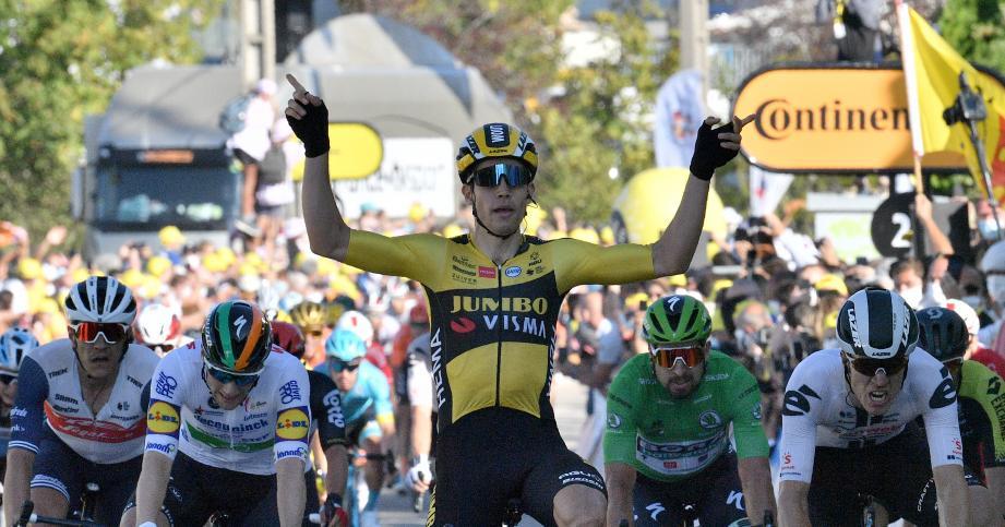 Le Belge Wout Van Aert (Jumbo) a remporté mercredi la 5e étape du Tour de France courue sur 183 km entre Gap et Privas, où le Français Julian Alaphilippe (Deceuninck-Quick Step) a conservé le maillot jaune.