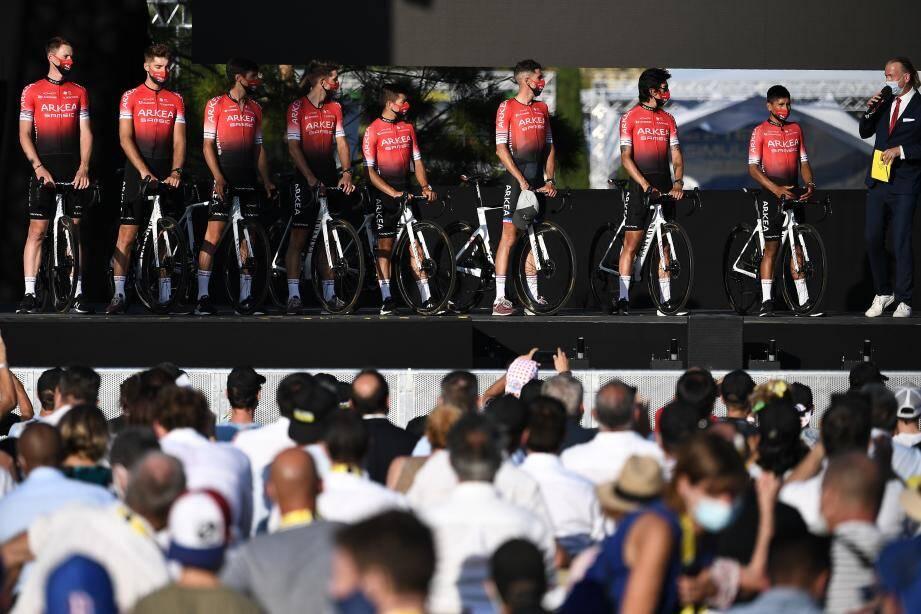 Présentation de l'équipe Arkéa-Samsic avant le début du Tour de France.