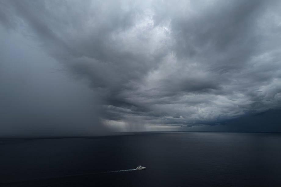 Un orage en approche sur la méditerranée.
