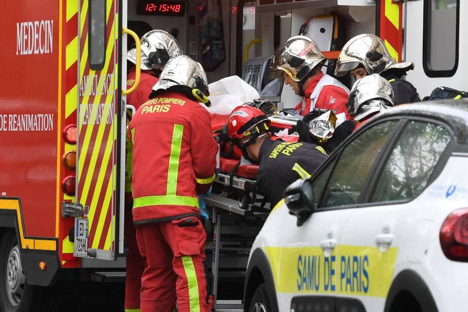 Quatre personnes ont été blessées.