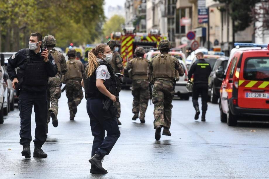 Deux personnes blessées à l'arme blanche, le suspect arrêté — Paris