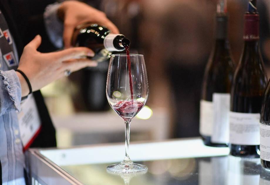 Le conseil départemental de Loire-Atlantique a fait retirer des panneaux sensibilisant sur les dangers liés à l'alcool au volant, à la demande de vignerons.
