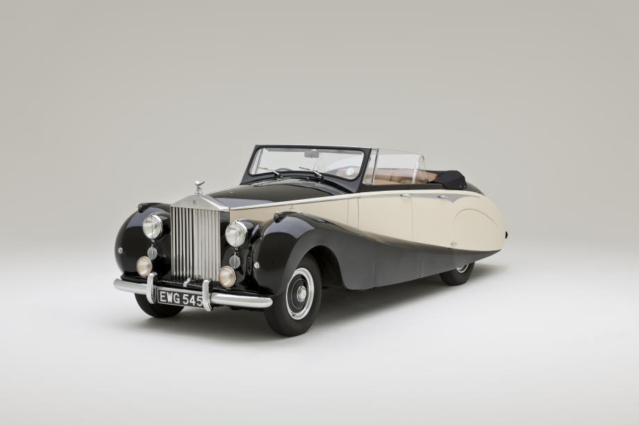 Dans le catalogue de l'exposition, on retrouve le pedigree de 52 voitures iconiques qui auraient dû prendre place, cet été, au Grimaldi Forum. Châssis, carrosserie, moteur, histoire du véhicule, tout y est!