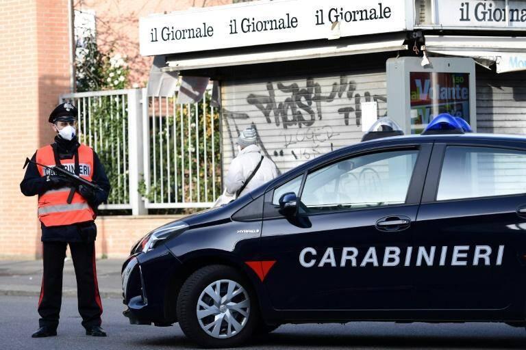 Les carabiniers de Gênes et les sections de recherche de Marseille et Paris ont mené une opération conjointe ce mardi matin dans le sud de la France et en Italie. Ils ont saisis près d'un million d'euros. 46 personnes ont été arrêtées. Elles sont suspectées d'association de malfaiteurs en bande organisée, de blanchiment d'argent et de vol. L'ombre de la 'Ndrangheta, la mafia calabraise, plane.